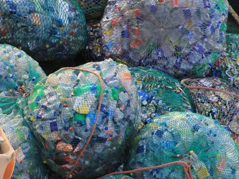 Plastica: una risorsa o un incubo dal quale liberarsi?