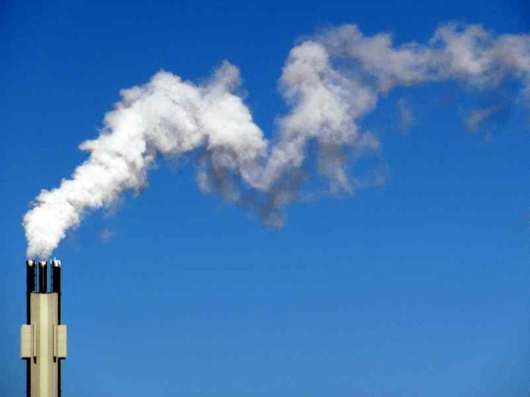 Emissioni di gas climalteranti in calo e Pil italiano in crescita