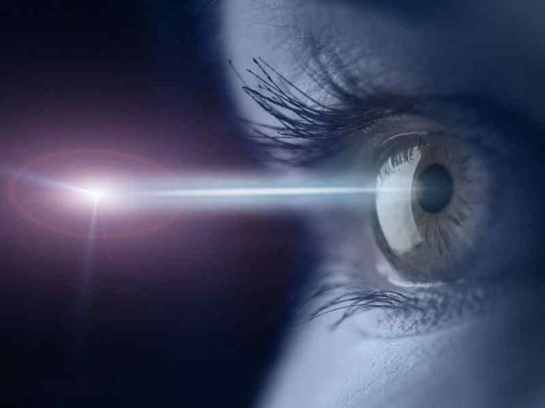 Luce Led dannosa per gli occhi: verità o bufala?