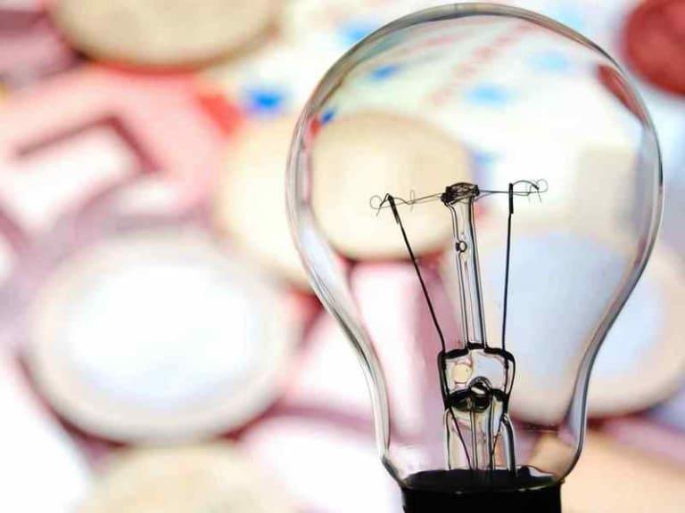 Aumenti energia elettrica, ecco perché si sono verificati