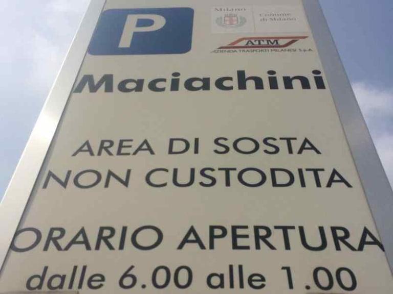 Sosta gratuita a Milano, basta un'App e il car pooling