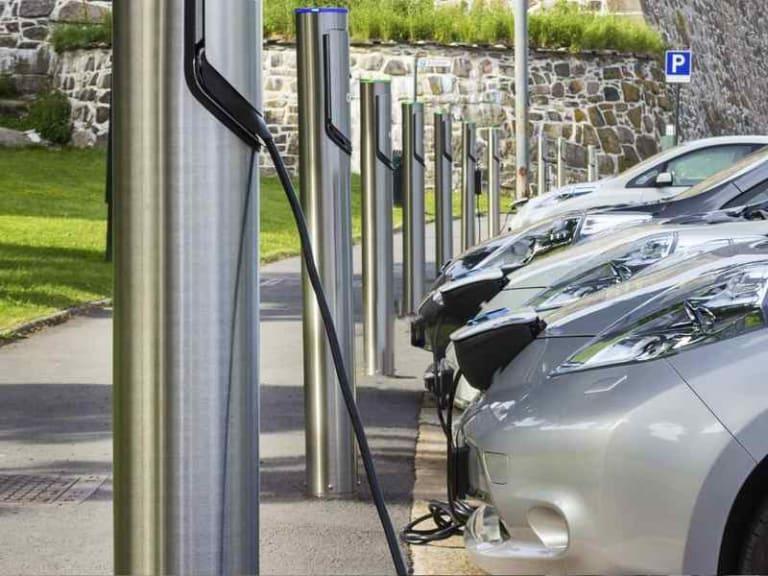 Un progetto pilota che permetterà di ricaricare i veicoli elettrici in tutta Europa