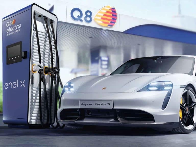 Infrastrutture di ricarica ultrafast: collaborazione tra Porsche Italia, Q8 ed Enel X