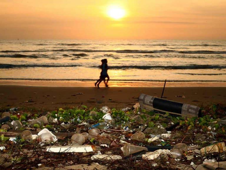 Stop alla plastica! Sempre più aziende ci pensano