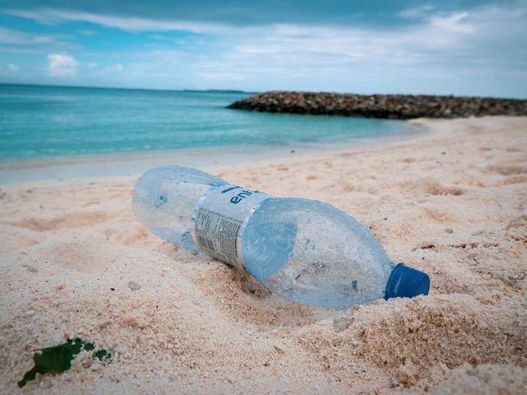 La plastica, una marea da contrastare grazie a soluzioni green