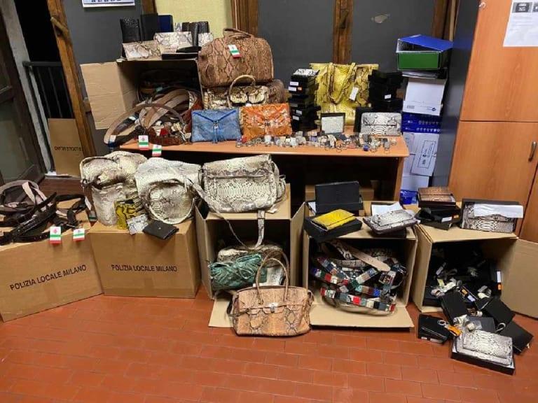 Sequestrati a Milano accessori realizzati con pellami di animali in via di estinzione