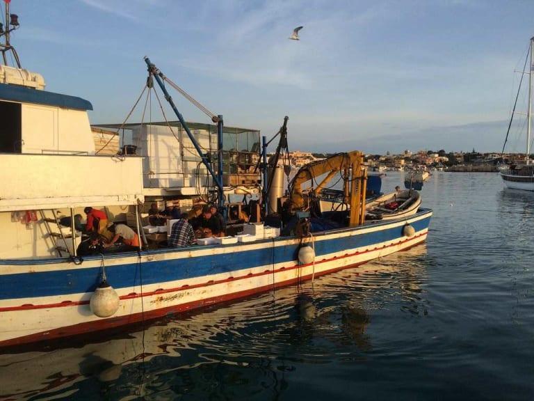 Piccola pesca e giovani: l'Ue sblocca i fondi