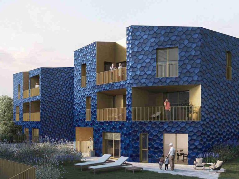 L'ex fabbrica di piastrelle diventa una casa blu a Laveno Mombello