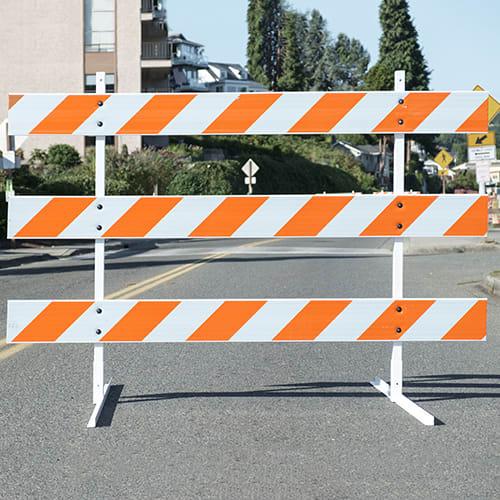 3M™ Flexible Prismatic Striped Barricade Sheeting 3336