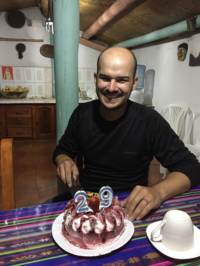 Festa surpresa com direito a bolo e brigadeiro!!