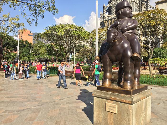 Homem a Cavalo (1994) - Plaza Botero, em Medellin