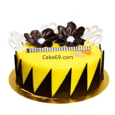 Pineapple Cake With Chocolate Flower