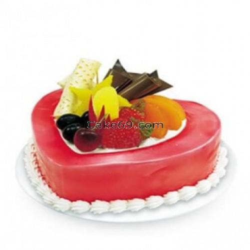 Strawberry Fruit Cake Delight