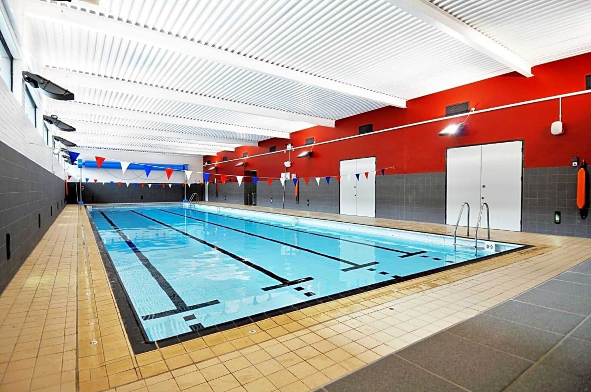ocll saddleworth pool leisure centre greater manchester movegb