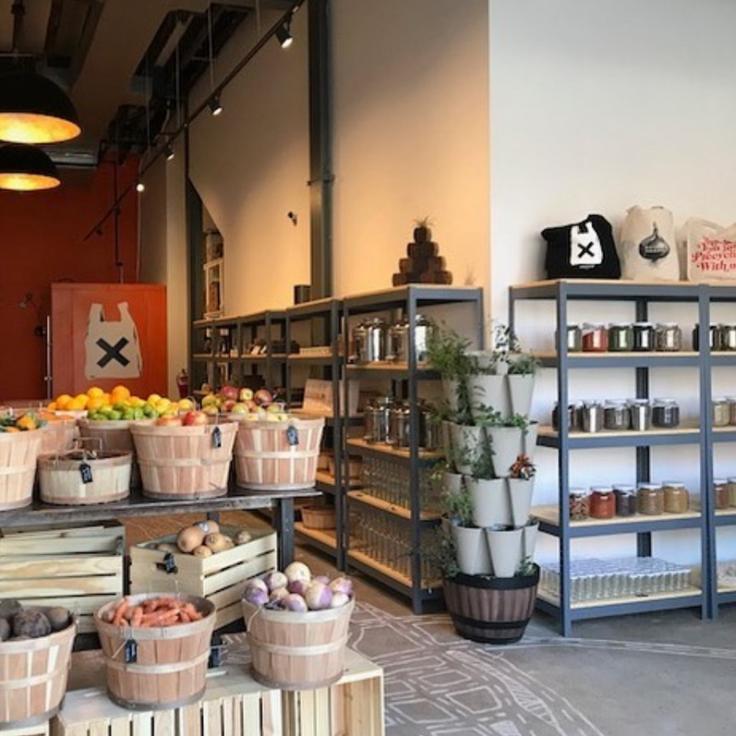 Containerless shop interior