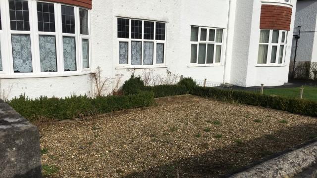 Photo of gravelled front garden