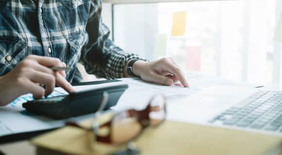 How an expert accountant or bookkeeper can help drive your business
