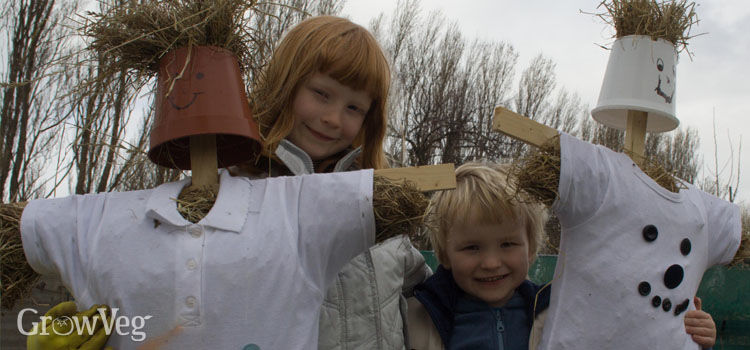 https://res.cloudinary.com/growinginteractive/image/upload/q_80/v1446638611/growblog/children-with-scarecrows-2x.jpg