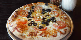 Round Table Pizza Lincoln Ca.Round Table Pizza 751 Delivery 186 Northgate Dr San Rafael