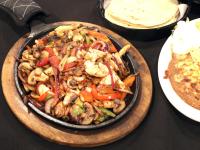 Carnitas El Patio Dinner Platter