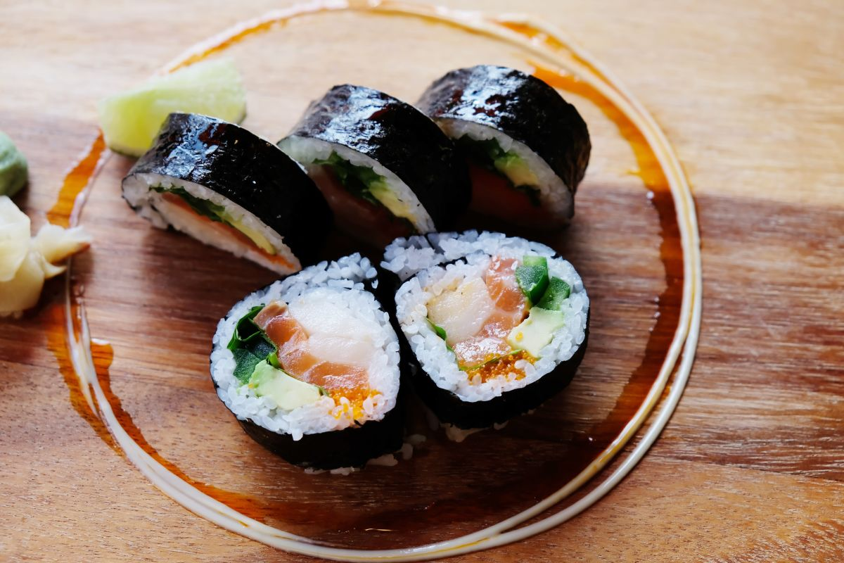 Hands On Modern Thai Sushi Bar Irving Park Delivery 5056 W