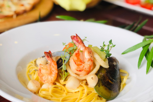 Seafood Lover's Garlic Wine butter Linguini - delivery menu