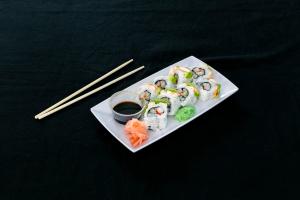 Dragon Phoenix Roll - delivery menu