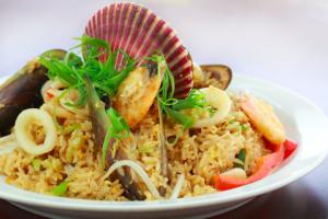 12. Chaufa de Mariscos - Camarones - delivery menu