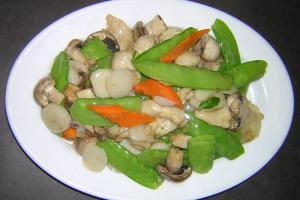 C8. Moo Goo Gai Pan Combo - delivery menu