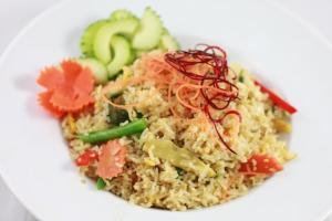 101. Kao Pad Gang Kheaw - delivery menu