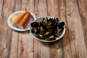 Mussels with White Sauce - delivery menu