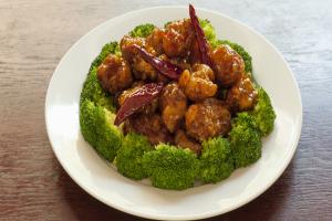 General Tso's Chicken with Broccoli.5 - delivery menu