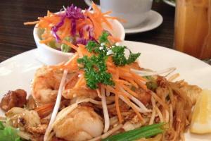 Pad Basil Noodles (Lunch ) - delivery menu