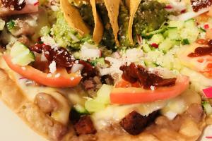 Nachos con Chorizo - delivery menu