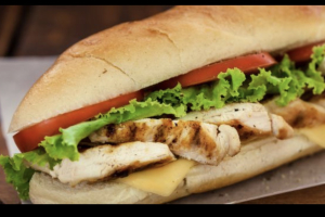 Pechuga de Pollo Sandwich - delivery menu