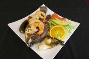 Mojarra con Camaron - delivery menu
