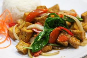 134. Tofu Pad Ga-Prow - delivery menu