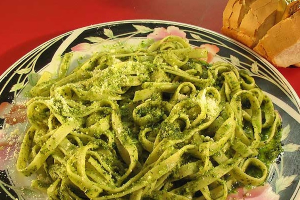 Fettuccine al Pesto - delivery menu