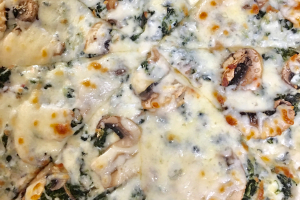 Spinach Alfredo pizza - delivery menu