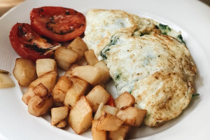 Spinach Gruyere Egg White Omelette Brunch - delivery menu