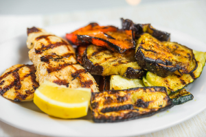 L14 - Grilled Chicken Breasts with Grilled Vegetables - delivery menu