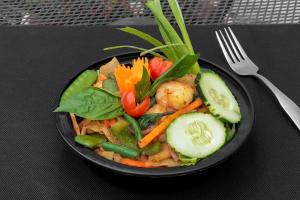 Drunken Noodle Entree - delivery menu