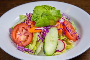 Ensalada Verde Con Aguacate - delivery menu