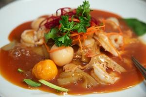78. Rad Na Yen Ta Fo Noodles - delivery menu