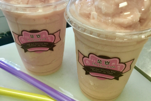Strawberry Yogurt Shake - delivery menu