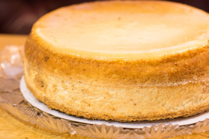 """Mom's Famous New York Style Cheese Cake 8"""" - delivery menu"""