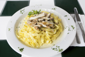 Fettuccini Alfredo - delivery menu