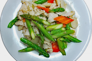 65. Chicken with Asparagus - delivery menu