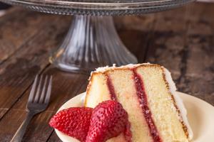 Strawberry Cake Slice - delivery menu