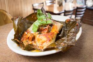 Tamale Rojo con Pollo - delivery menu